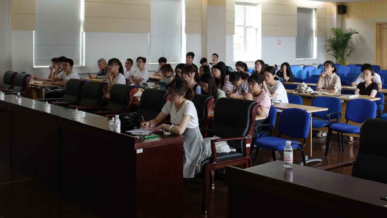 青岛能源所召开2018级硕士研究生入所培训主题班会